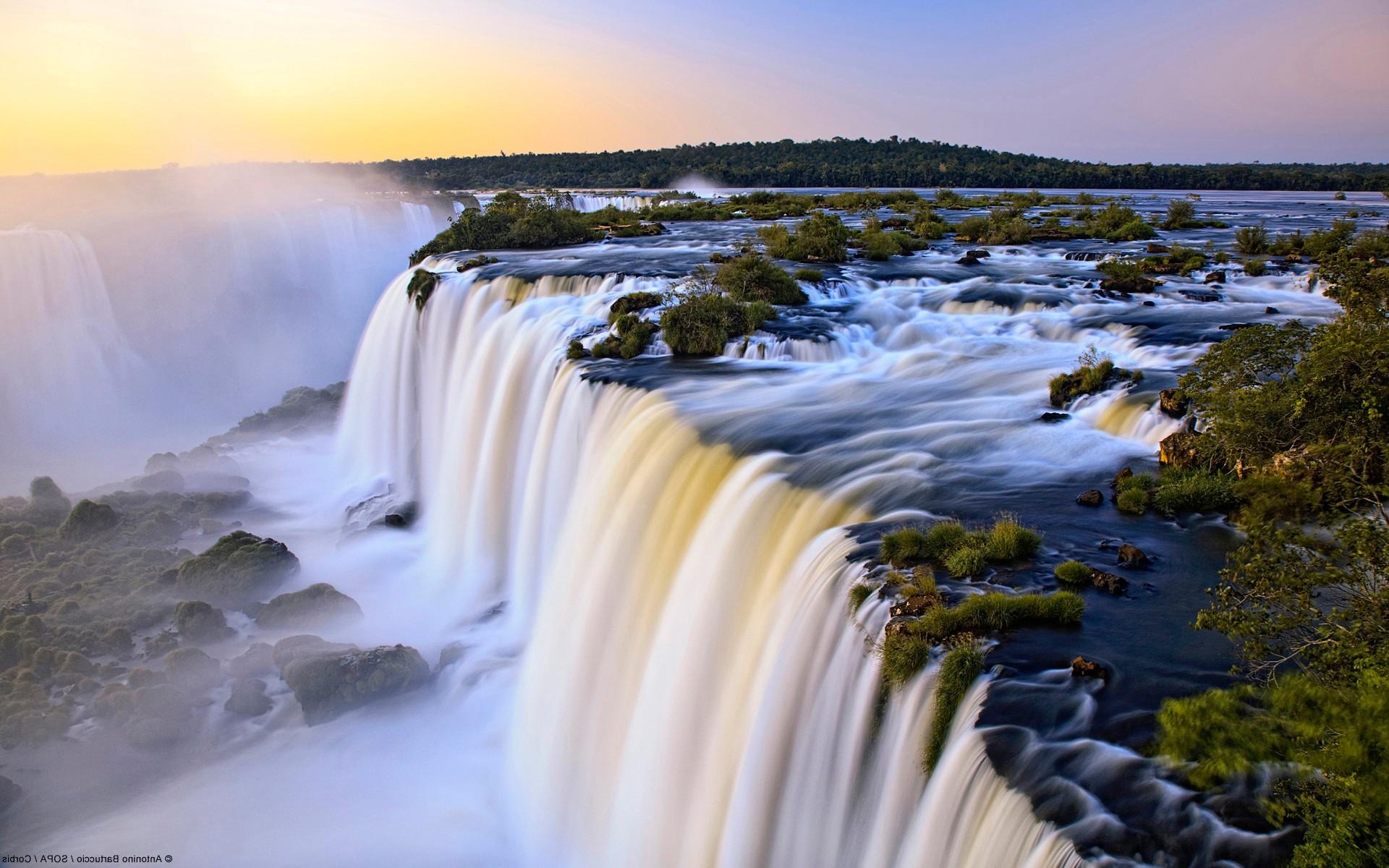 Водопад пена вода скала обои фото