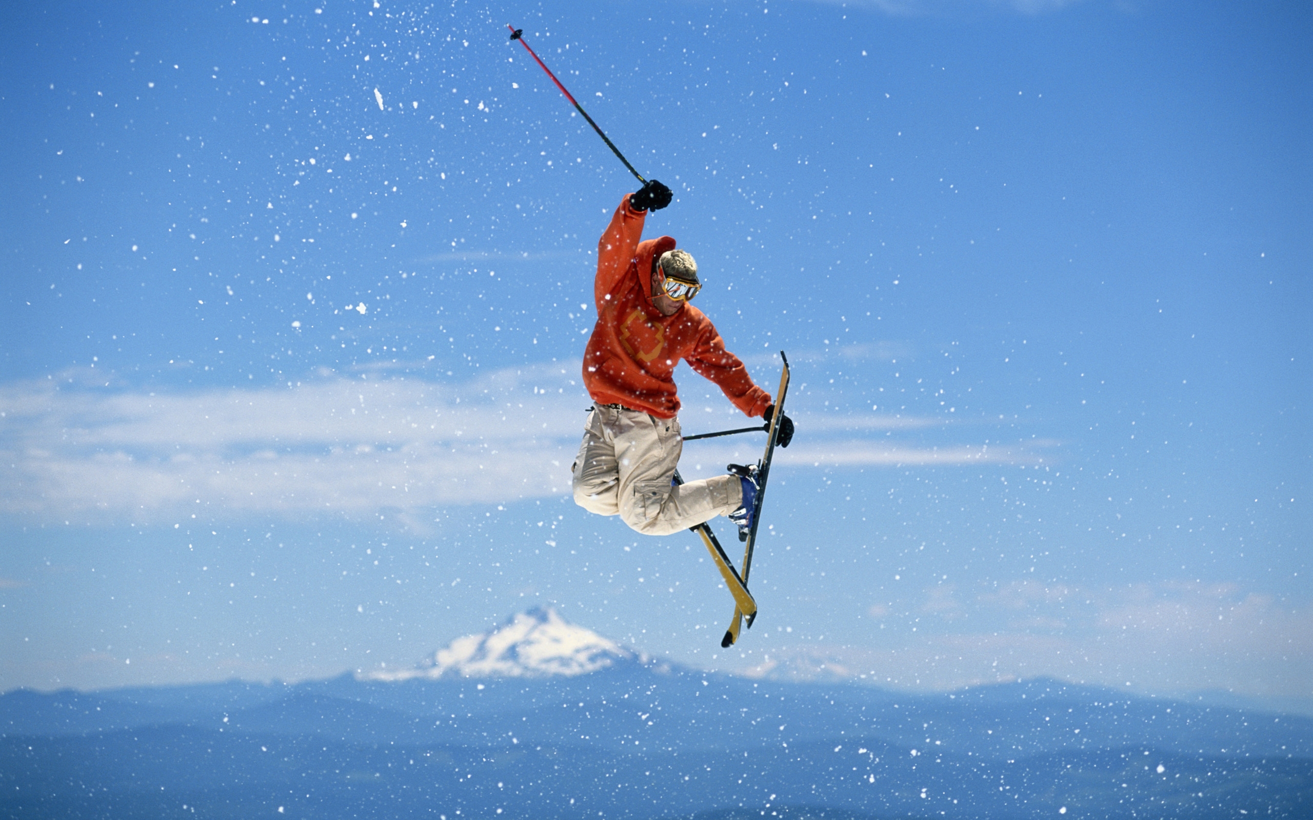 Лыжи фристайл прыжок небо палки