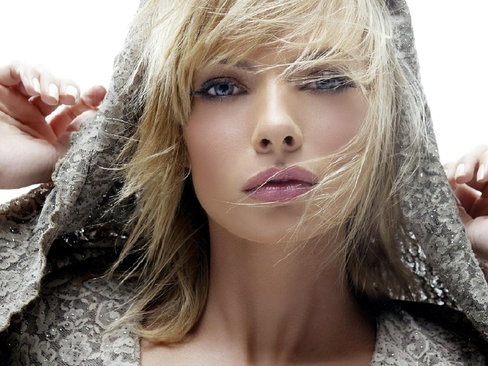 Найти фотки красивых девушек брюнеток
